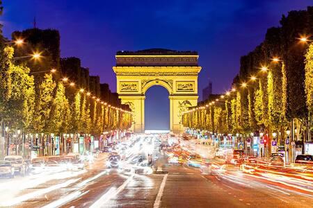 JOLI APPARTEMENT PARIS-LA DÉFENSE CHAMPS-ELYSEES - Puteaux - Apartment