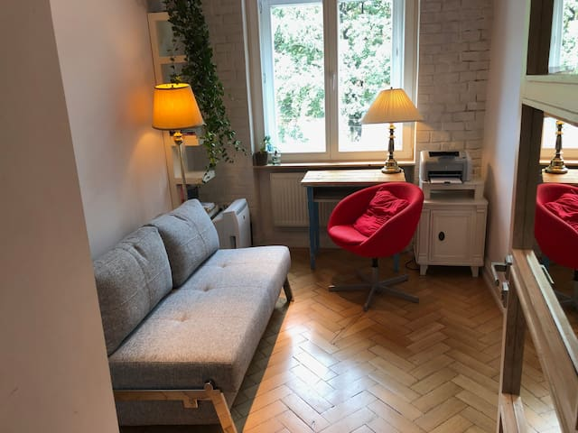 Room for rent - with folded sofa