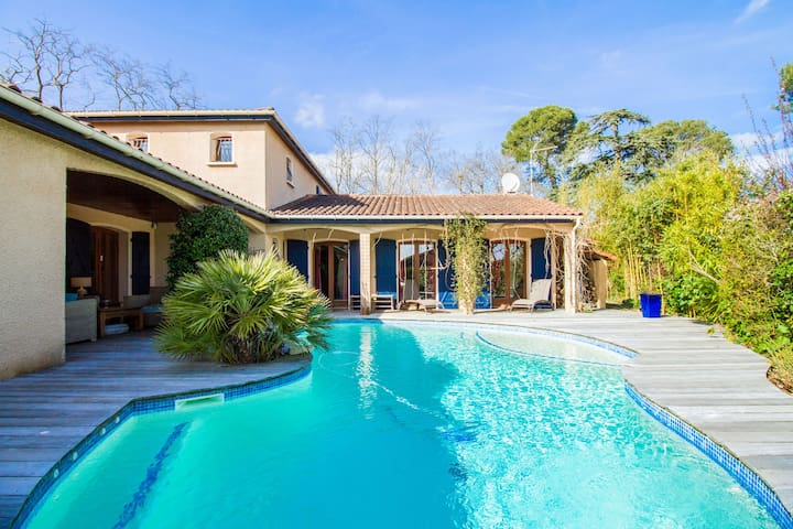 Chambre de 15m2, piscine, jardin