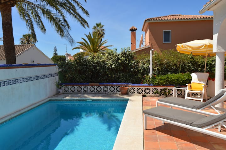 2 BED 2 BATH VILLA, PRIVATE POOL & GDN, MARBELLA