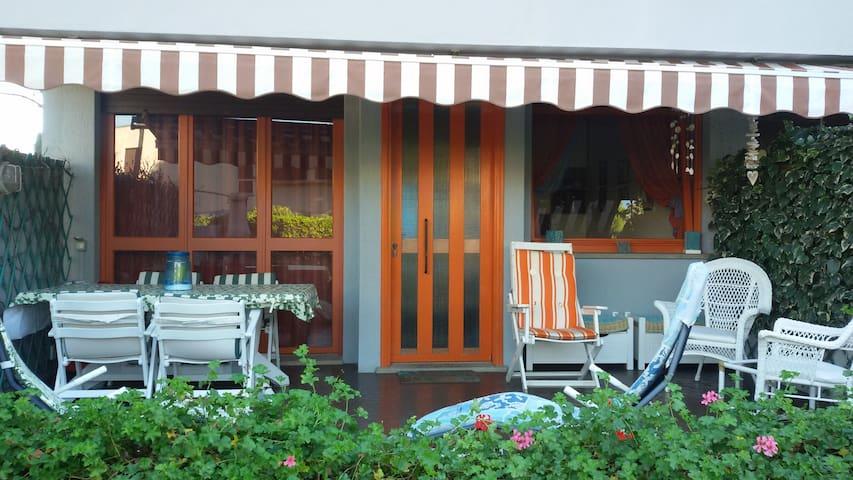 Villetta a schiera, a 2 min a piedi dal mare - San Vincenzo - Rumah