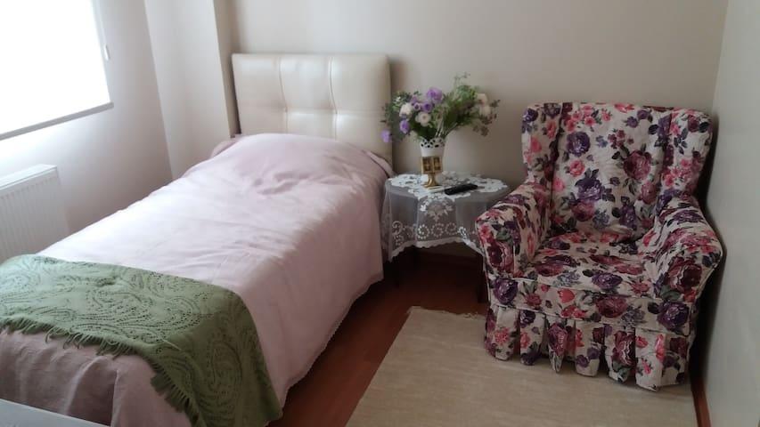 Sıcak bir aile ortamı - Yalova - Bed & Breakfast