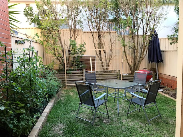 Townhouse for parents and infant or for 2 couples - Kingsford - Hus