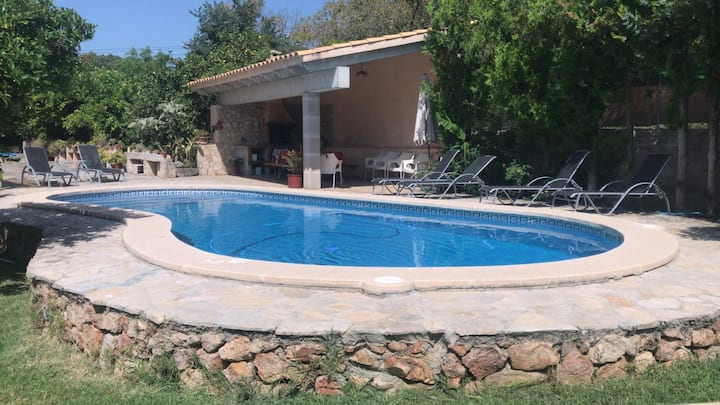 "Charming Villa ""Ca Na Marina"" with Mountain View, Air Conditioning, Wi-Fi & Pool; Parking Available"