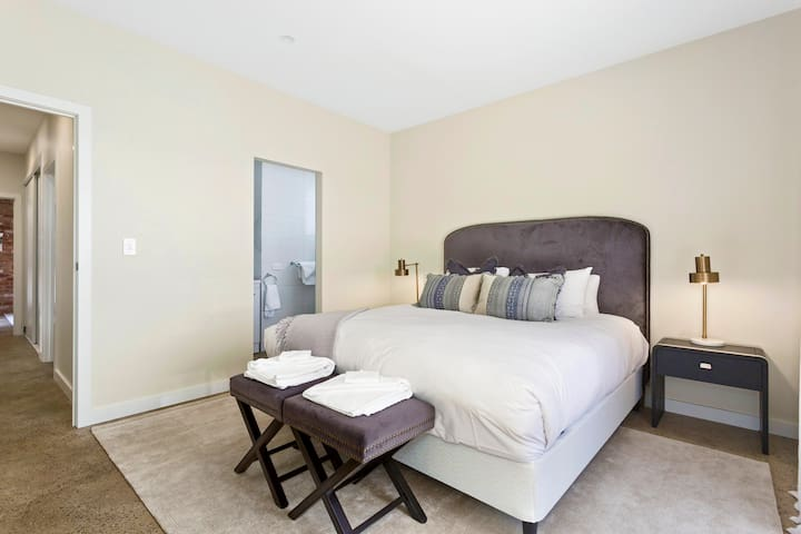 Family Friendly Designer Home Affordable Airbnb  Historic Evandale Clean Private and Fully furnished 2 bedrooms