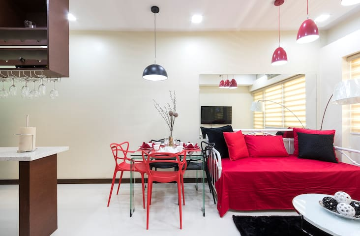 Clean, cozy&newly-decorated private 1bedroom condo