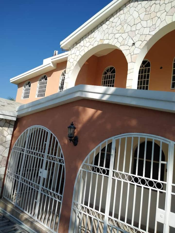 Appartements ou  chambres à louer, maison, Haïti
