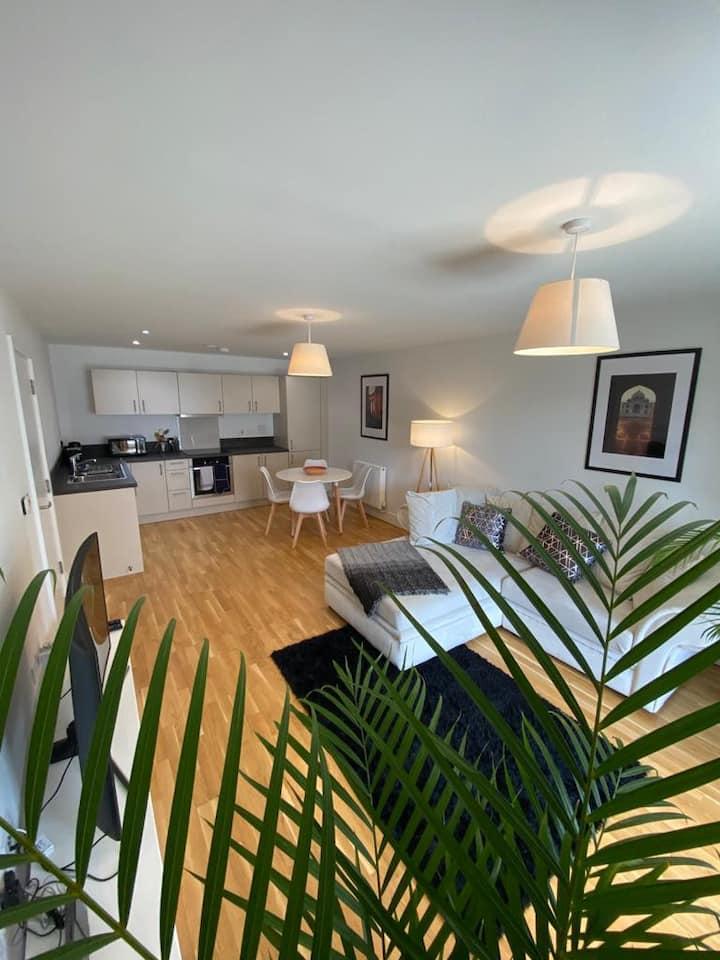 Exclusive riverside top floor apartment