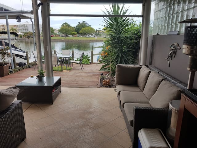 April 2018 Commonwealth Games Waterfront home - Biggera Waters - Villa