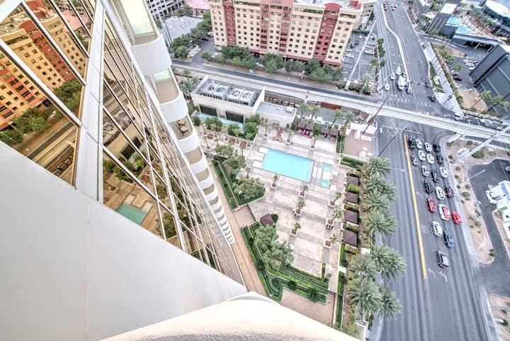 C29P3 Studio Strip View w/Balcony | Parking | Pool