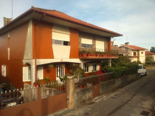 Villa spacieuse de style portugais - Barroselas - Hus