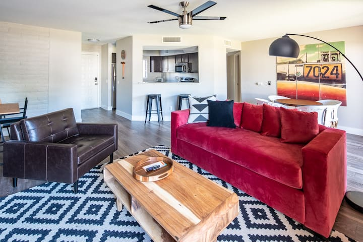 Chic 2BR in Central Scottsdale #166 by WanderJaunt
