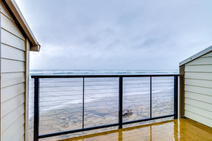 Waterfront condo w/ furnished balcony, ocean views & great location