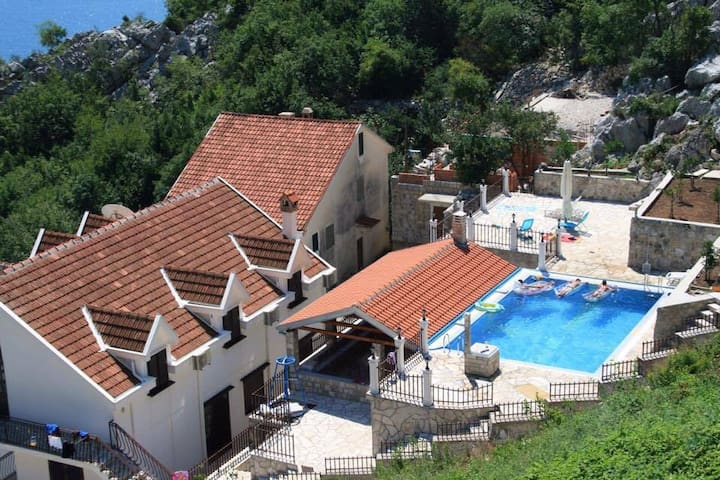 Rizon Apartment with private pool and summer house - Risan - Apartment