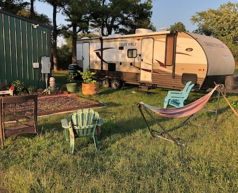 Serene Country Camper