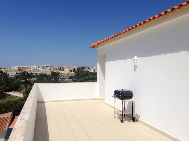 Bright Apartment 10min from 2 stunning Beaches - Olhos de Água - Appartement