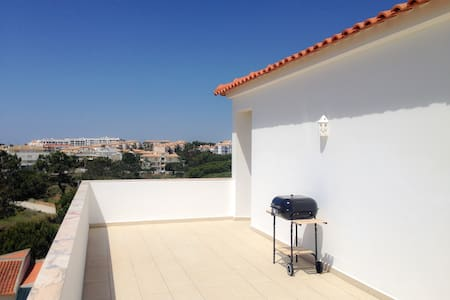 Bright Apartment 10min from 2 stunning Beaches - Olhos de Água