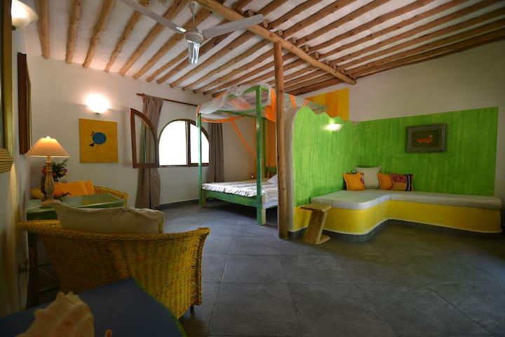Familyroom ECO retreat Lodge -  Shimba Hills/Diani