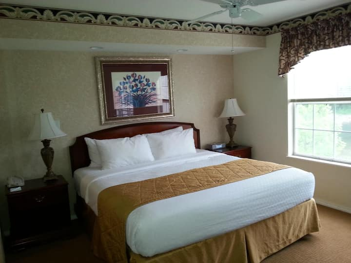 """Suite Life"" @The Suites at Fall Creek, Branson MO"