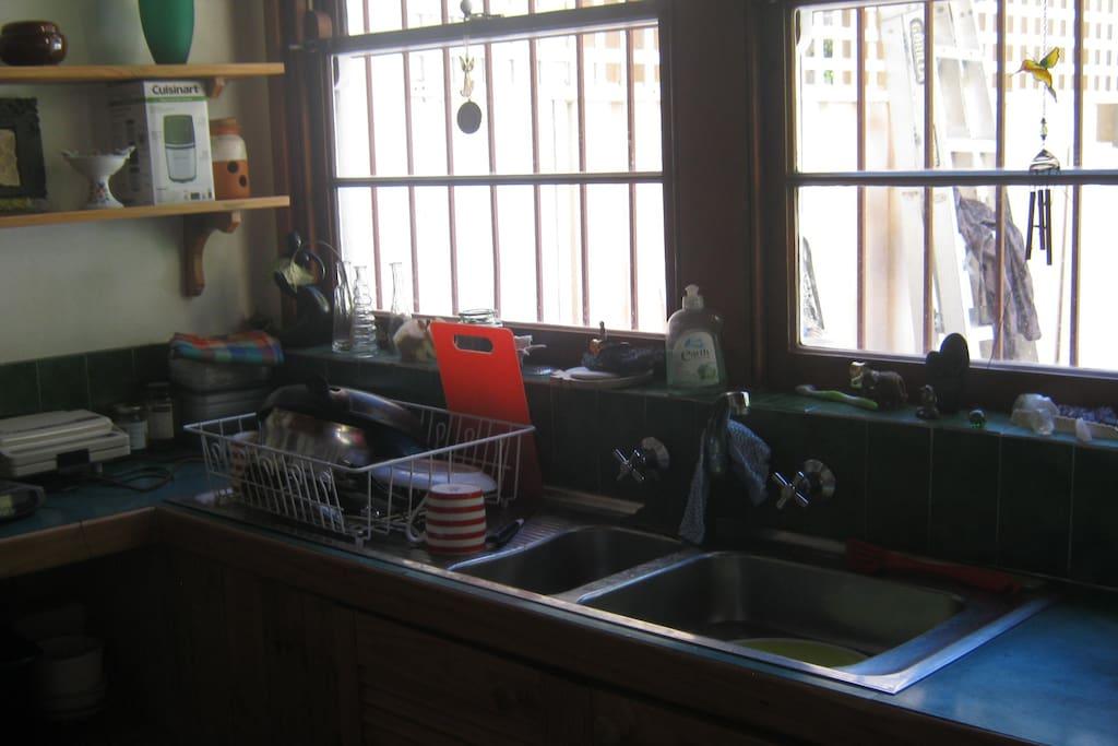 Clean Spacious Kitchen