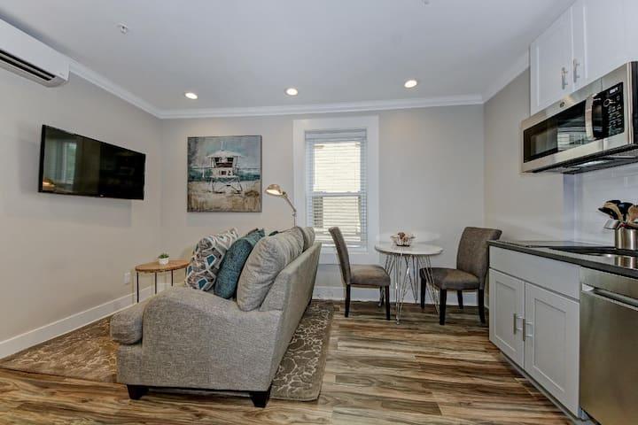 Suite C - DuPont Circle/Kalorama Luxury Apartment