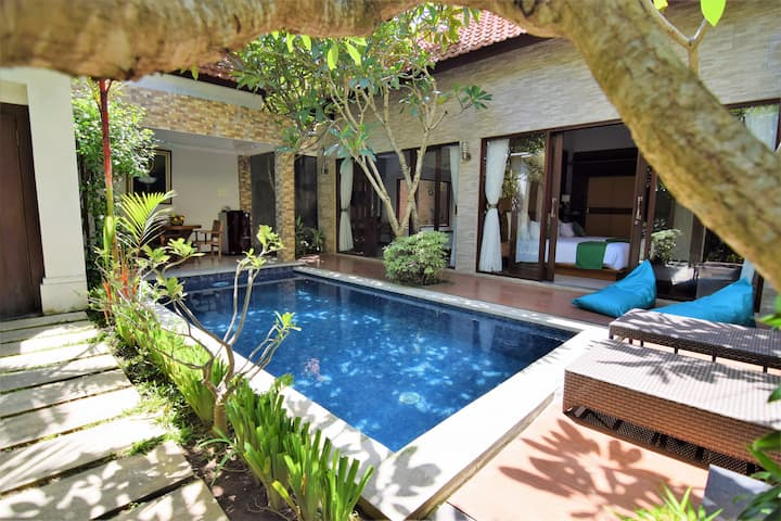 Villa 2 bedrooms and pool, 5mn from Canggu beach !