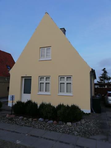 Byhus i Rødbyhavn udlejes