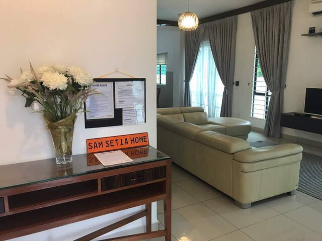 BEST CHOICE stay near SETIA ALAM CONVENTION CENTER