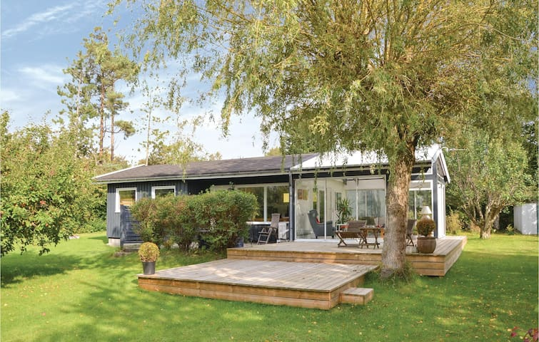 Holiday cottage with 2 bedrooms on 67m² in Ølsted