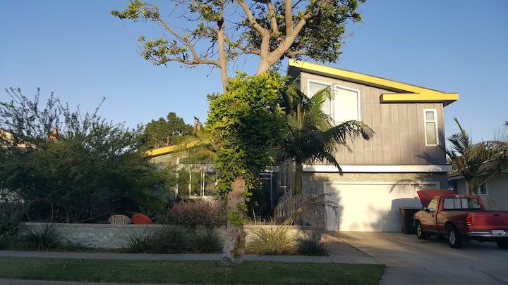 Modern Home private Room & bath East Long Beach