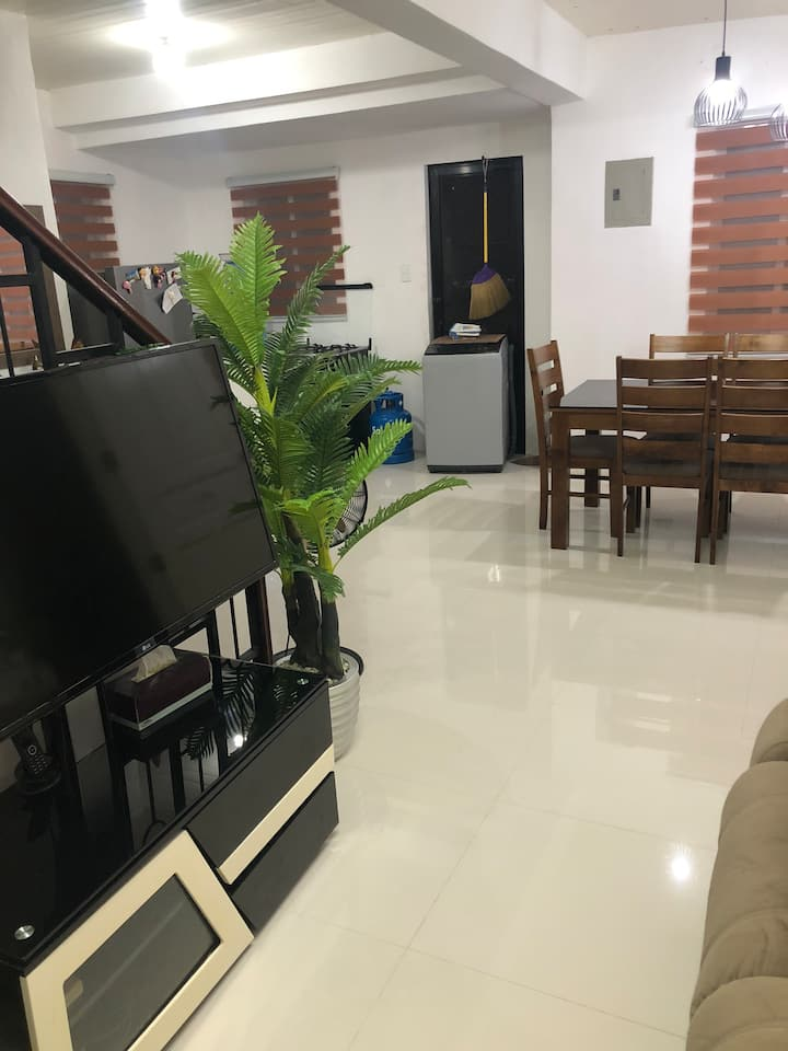FULLY FURNISHED BRAND NEW HOUSE FOR RENT.