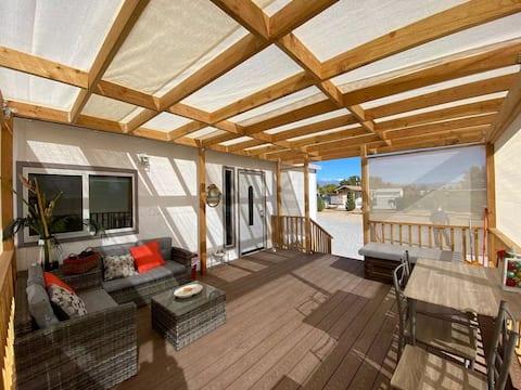 태양 전망과 데스 밸리 근처의 초소형 주택