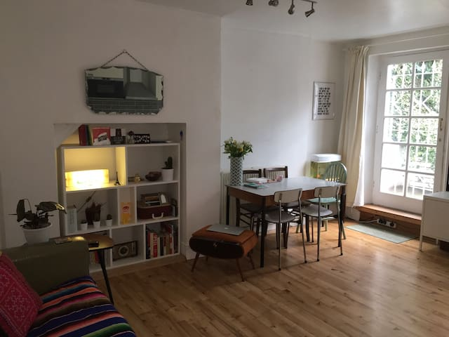 Cool, east London flat with terrace - London - Apartment