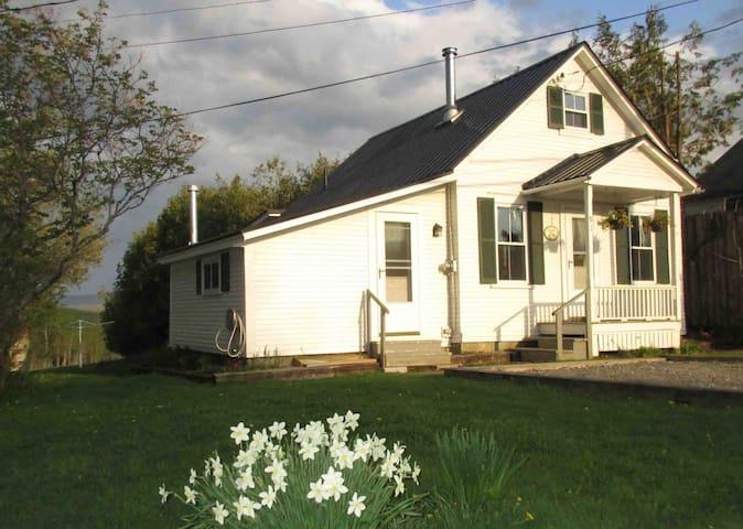 Greensboro Village Little House - Greensboro - Hus