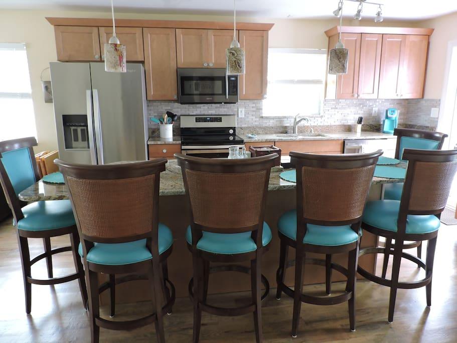 Kitchen Area - Large island