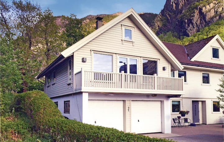 Nice home in Dirdal with WiFi and 2 Bedrooms