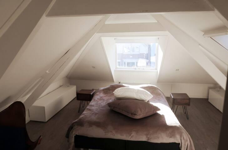 Bright Luxury private room + bike Zaandam center