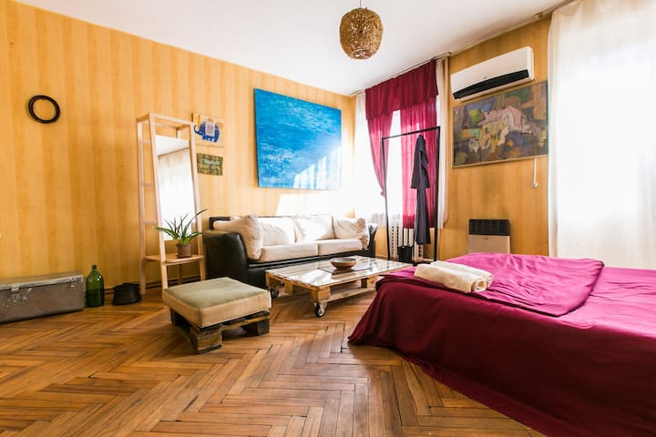cozy apartment in central tbilisi