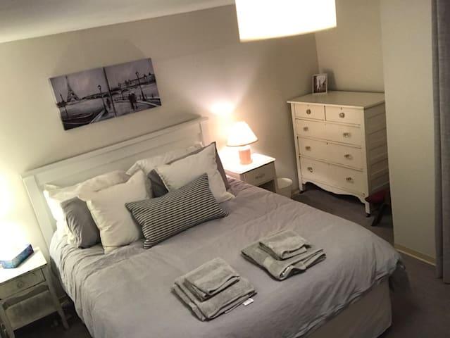 1 Bedroom in Vancouver's trendiest neighbourhood!