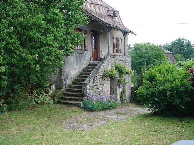 Gîte Mourèze TEYSSIEU - Teyssieu - Casa