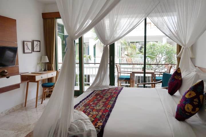 Lovely Modern Room/Balcony, Pool/Near Yoga Centre