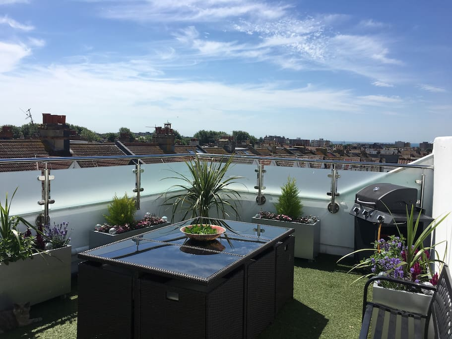 Cocktails on the roof tops of Brighton!