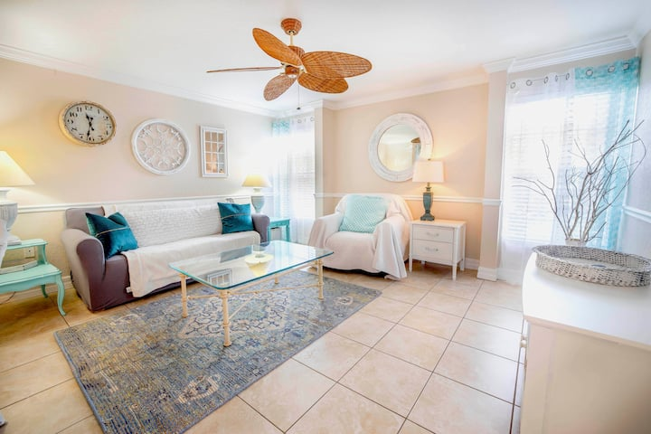 NEW LISTING! Pool, Beach, Oysters, Ice-Cream Drinks Shopping Live…The Village Breeze