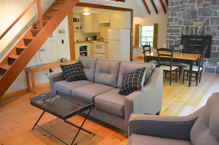 Cozy Winter Loft Apartment in the Heart of Camden - Camden - Apartment