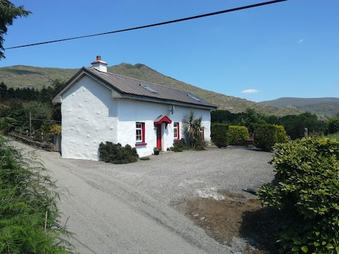 Old pub cottage.lauragh. Beara peninsula.