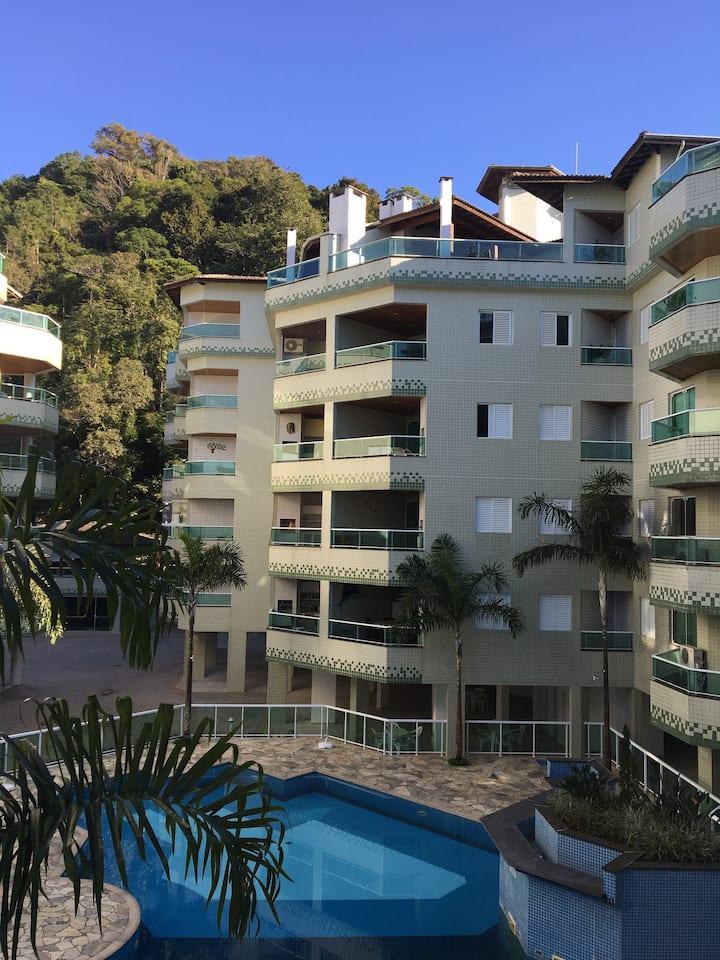 Apartamento novo em Ubatuba - 50 metros da praia