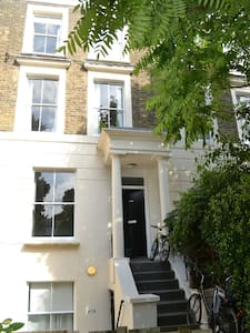 Large two bedroom apartment with garden, Islington - London - Apartment