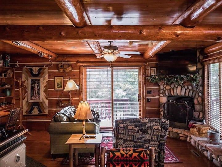 Cabin 5 on beautiful Round Lake Grand Pines Resort