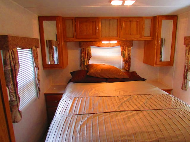 Dutchman Cabin RV at Best Bear - Irons