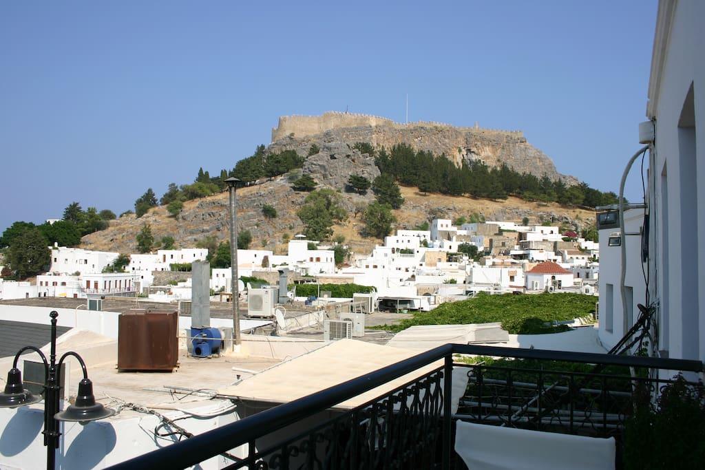 θέα, Ακρόπολη, χωριό